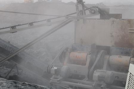 矿山工人应佩戴哪种防尘口罩