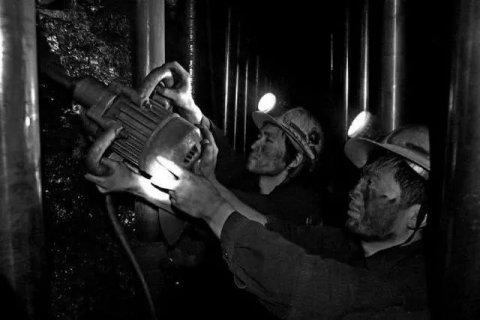 煤矿行业用哪种防尘口罩好